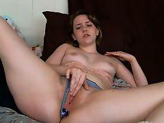 amateur solo toys blondes masturbate