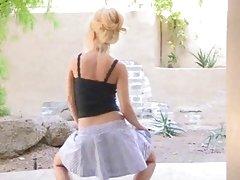 blonde teen girl dance