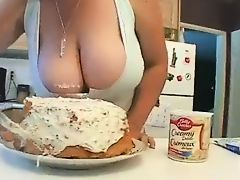 moms kitchen tits milfs blowjobs
