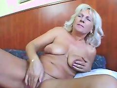 milfs matures masturbate lesbians granny