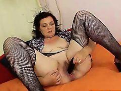 bbw european granny fingering masturbate