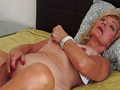 asian blondes granny masturbate matures