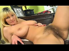blondes fingering hairy pornstars bush
