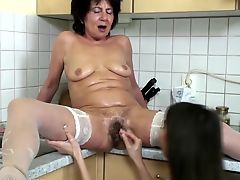milfs matures lesbians old+young babes