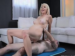 lick blondes blowjobs milfs