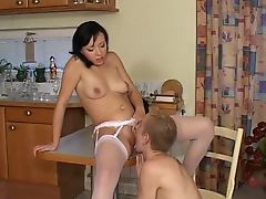 milfs old+young