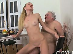 cuckold old+young small tits babes blondes